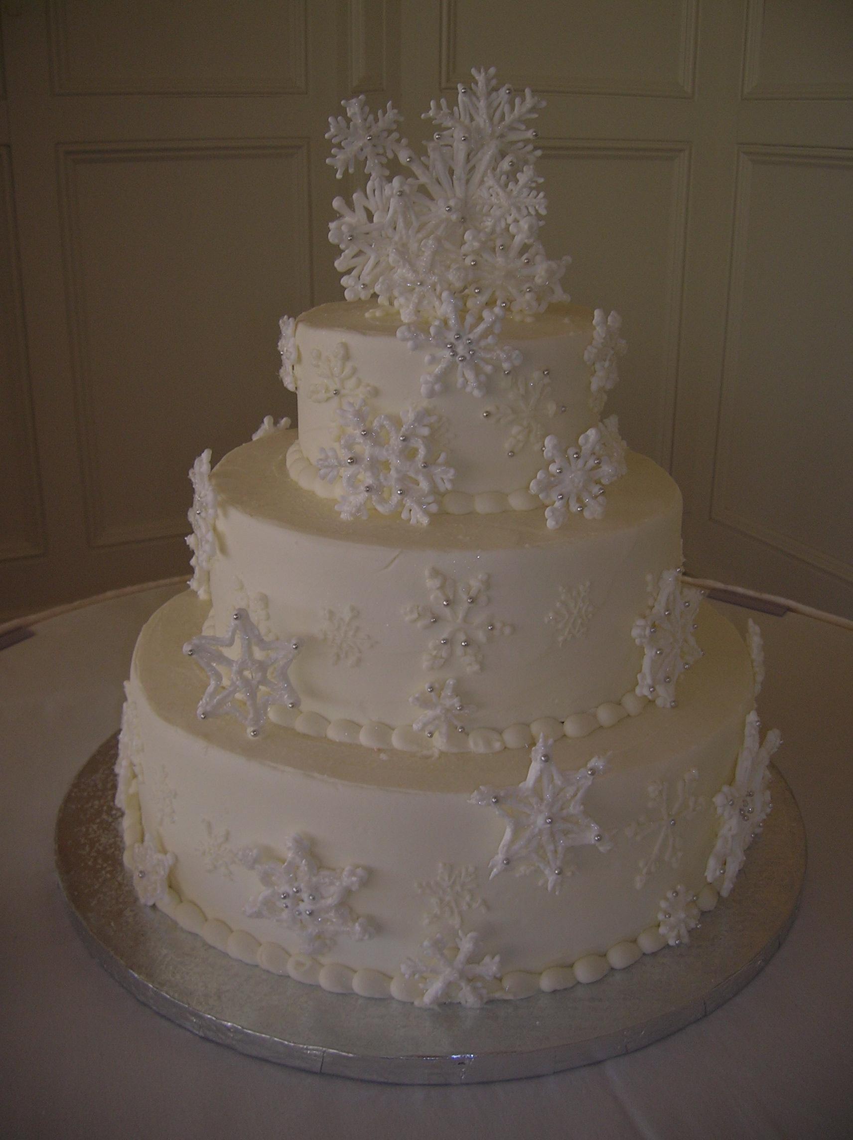 12 Winter White Snowflakes Wedding Cake